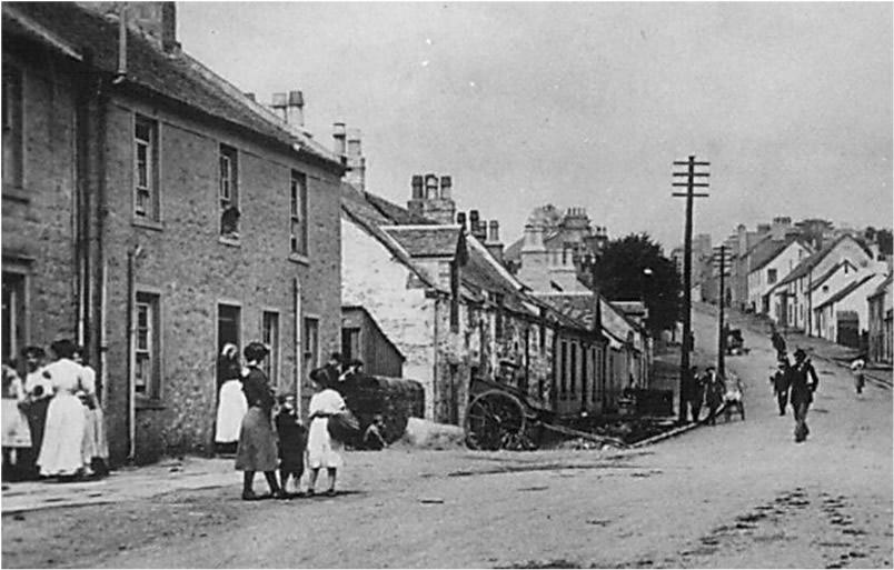 Buchanan Street looking north, early 1900s. Courtesy of Hugh Mc Arthur and Balfron Heritage
